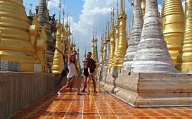 Astrid et Thibault en Birmanie