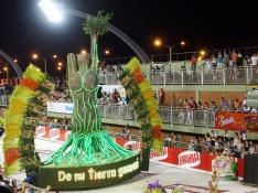 Carnaval d'Encarnacion - Char Tierra Madre